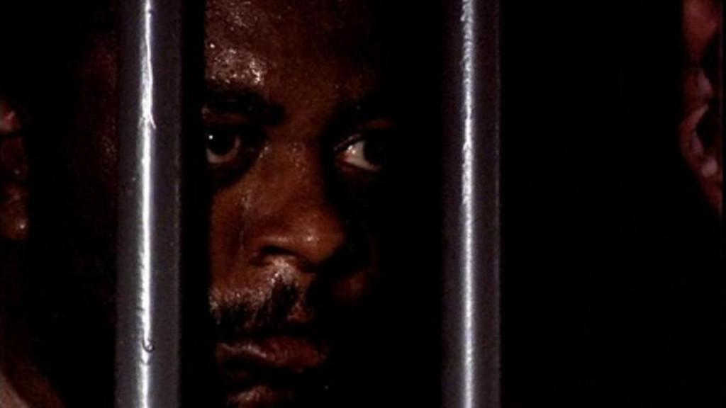 """""""O Dia em que Dorival Encarou a Guarda"""", de 1986, é uma adaptação do oitavo episódio do livro """"O Amor de Pedro por João"""", de Tabajara Ruas."""