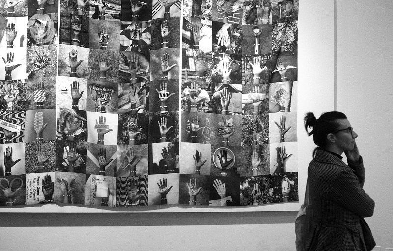 """A montagem de """"Aceita?"""", de Moisés Patrício. O artista estará em Porto Alegre para duas atividades, nos dias 27 e 28/10. Foto: Igor Sperotto."""