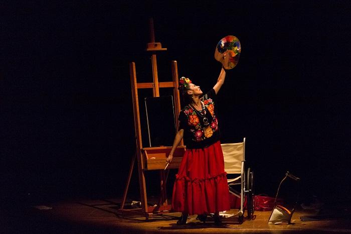 Espetáculo sobre Frida Kahlo terá audiodescrição e tradução em LIBRAS (foto:  Adriana Marchiori)