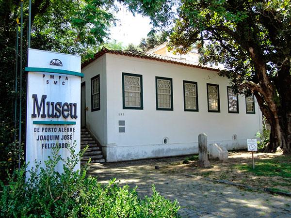 vista da fachada do Museu de Porto Alegre Joaquim José Felizardo